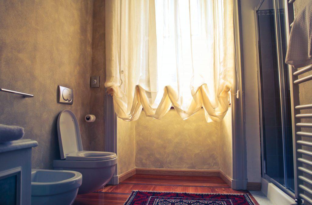 muffe geur in badkamer